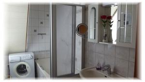 Gästehaus-Taraba-Metzingen4-Sterne-Ferienwohnung-Bad