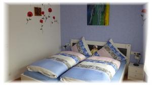 Gästehaus-Taraba-Metzingen4-Sterne-Ferienwohnung-Schlafzimmer
