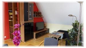 wohnzimmer Ferienwohnung Metzingen Gästehaus Taraba